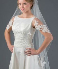 knee length veil with appliques