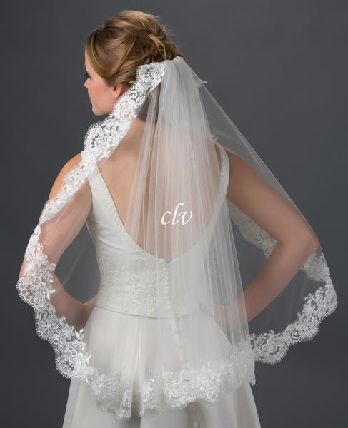 waist length lace edge veil