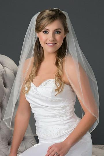 waist length veil with bugle bead edge