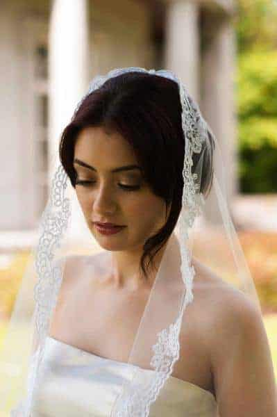 1 tier mantilla style bridal veil with delicate lace edging